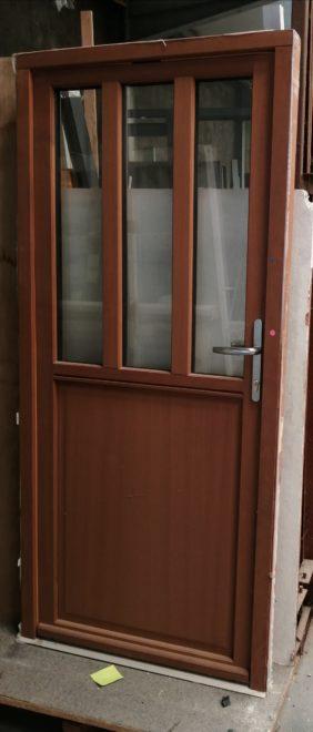 Porte extérieure en bois (traitement de couleur) dormant+ battant