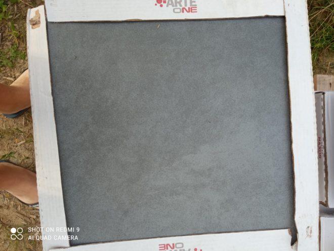 Carrelage sol 45x45 gris anthracite + plinthes